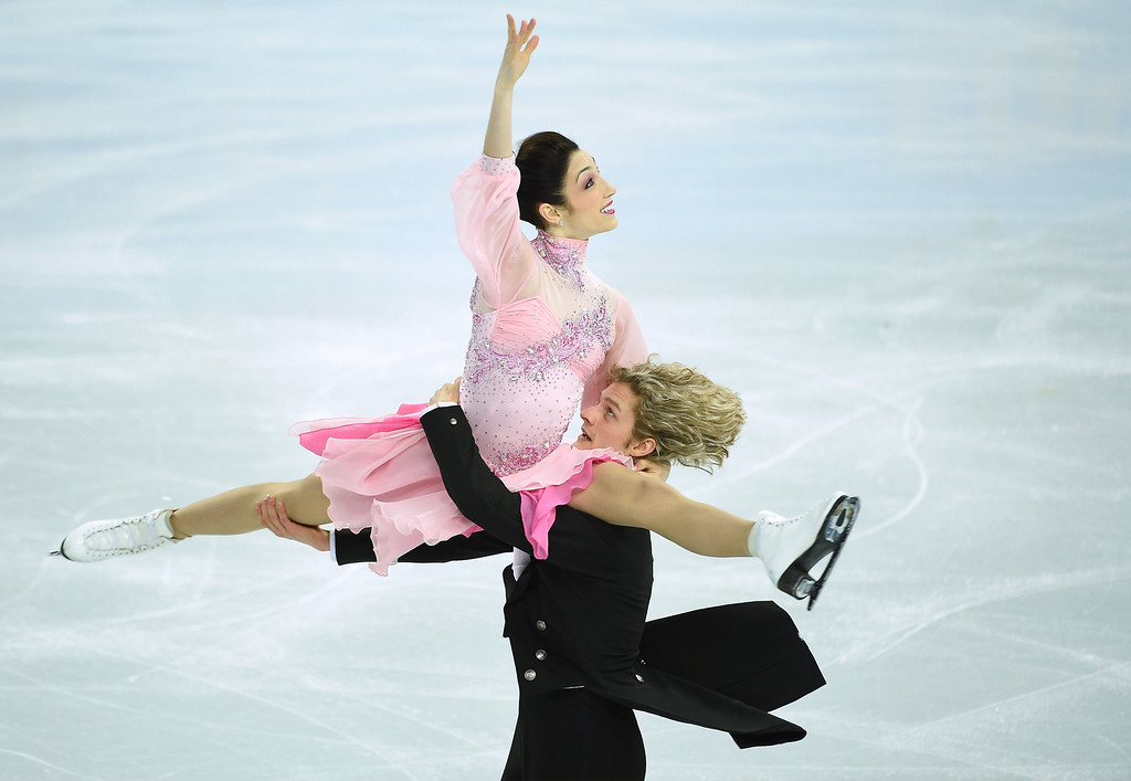 . US Meryl Davis and US Charlie White perform in the Figure Skating Ice Dance Short Dance at the Iceberg Skating Palace during the Sochi Winter Olympics on February 16, 2014.     JUNG YEON-JE/AFP/Getty Images
