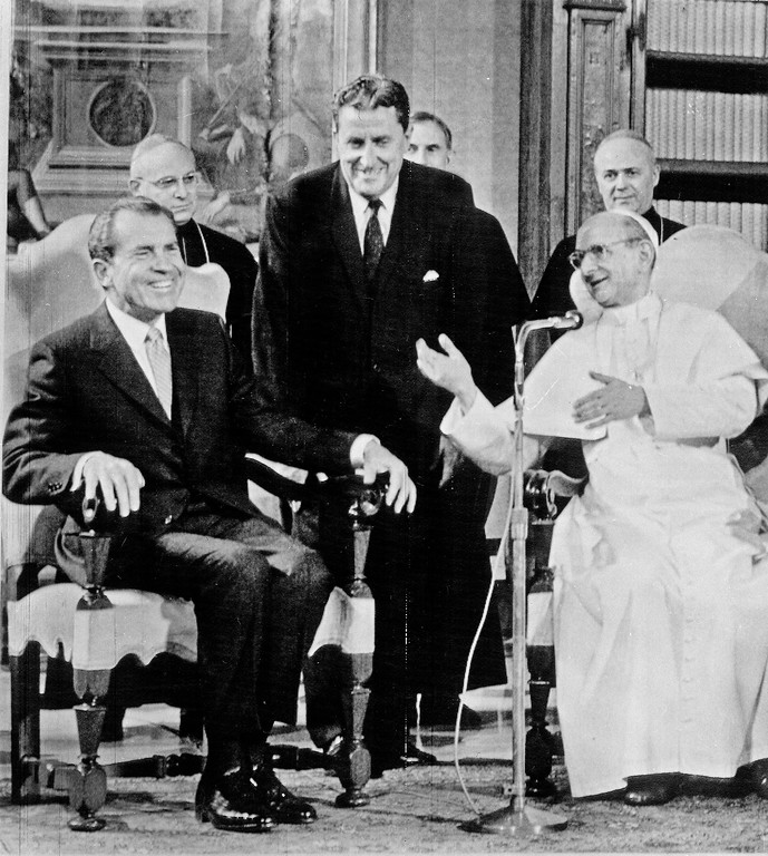 . ** FILE ** President Richard Nixon talks with Pope Paul VI as they meet in the Vatican, in this Sept. 28, 1970 file photo.  (AP Photo/File)