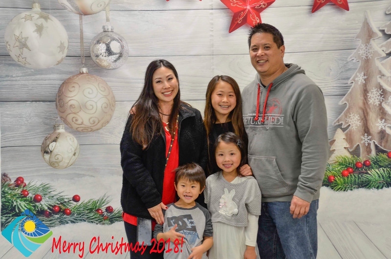Christmas Photobooth 2018-051_01.jpg