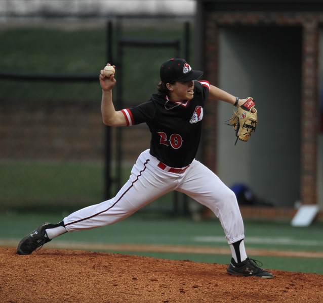 Gardner-Webb Baseball defeats Georgia State.
