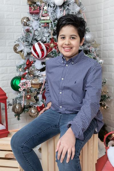 12.21.19 - Fernanda's Christmas Photo Session 2019 - -42.jpg