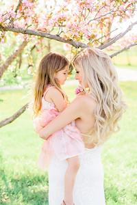 Lindsay & Ariana - Cherry Blossom Mini Session 2020