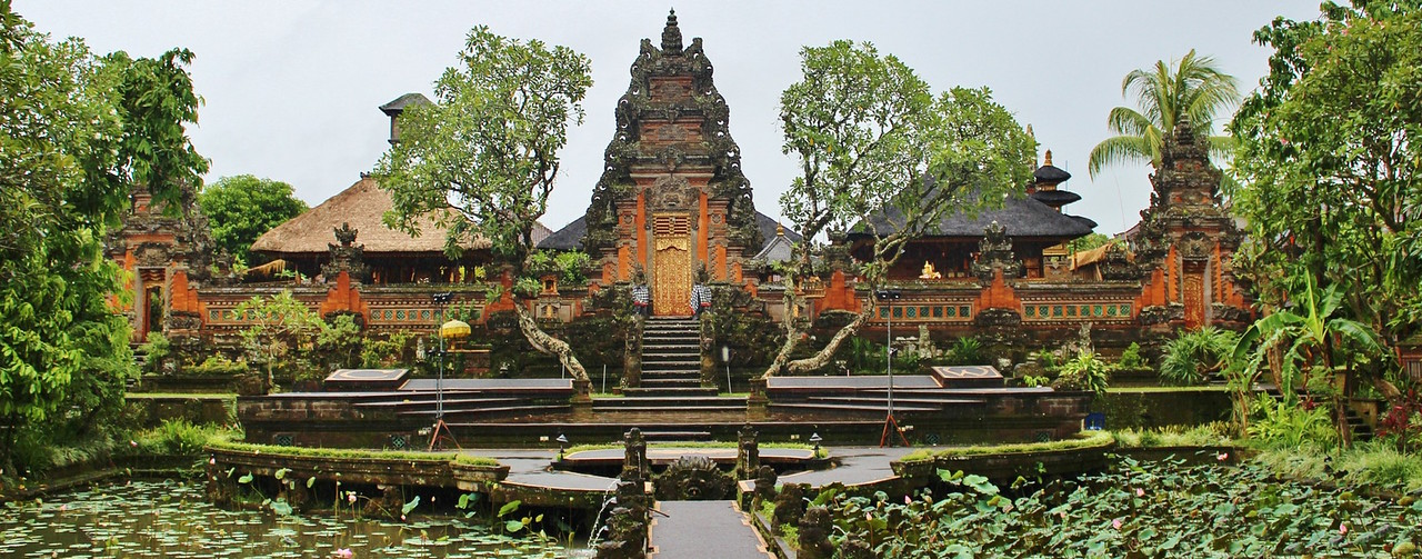 temples and quality of life in bali for expats
