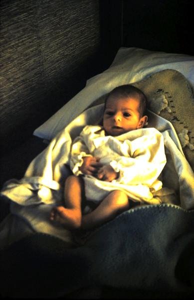 1959-10-6 (2) Ruth Simons 1 month old, England.JPG