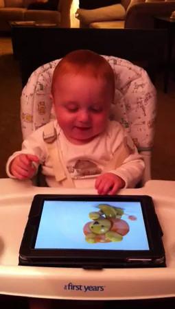 2012-10-01 Leonidas enjoys his iPad