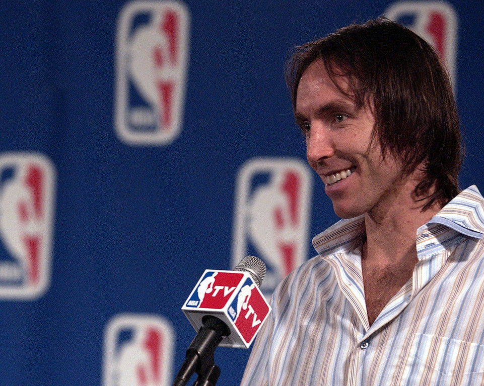 . Phoenix Suns guard Steve Nash, of Canada, smiles during a news conference after being named the NBA\'s Most Valuable Player for the 2004-05 season at America West Arena in Phoenix, Sunday, May 8, 2005. (AP Photo/Tom Hood)