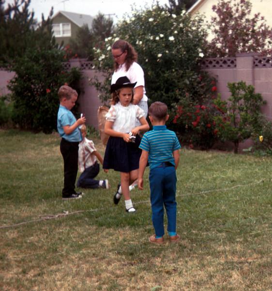 0532 - Jeannette, Linda, Michael (7-69).jpg