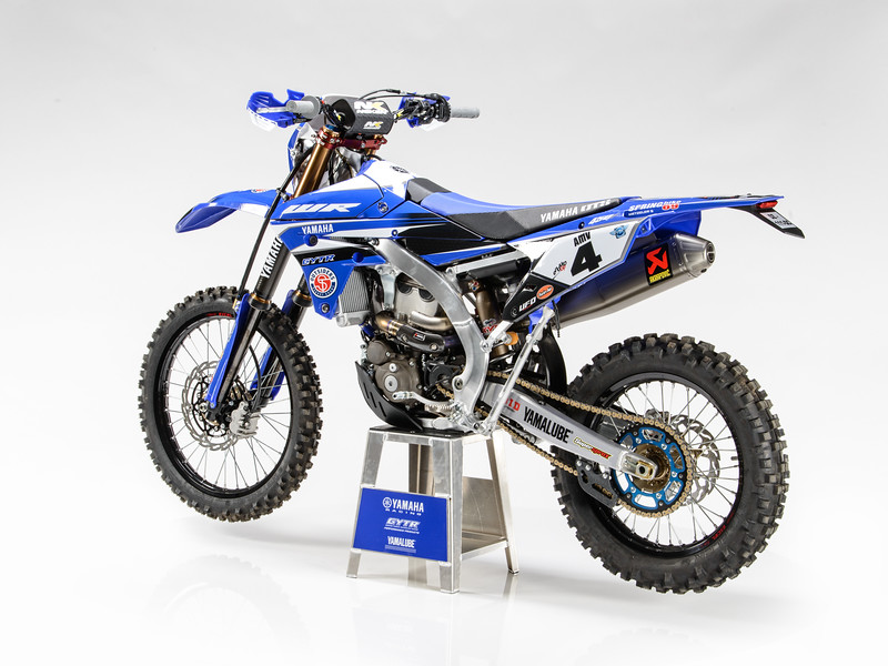 2017_YR_OUTS_static_WR450F_LARRIEU_004.jpg