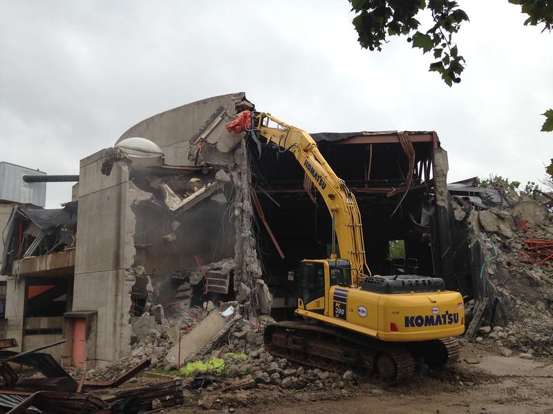 NPK U31JR concrete pulverizer on Komatsu excavator-commercial demolition (19).JPG