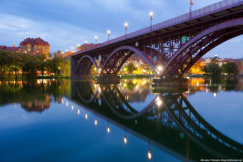 The bridge with four names