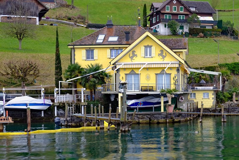 Lake Lucerne 02.jpg
