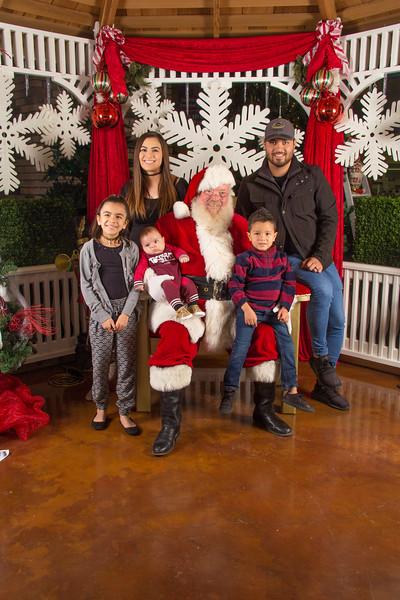 Santa 12-16-17-284.jpg