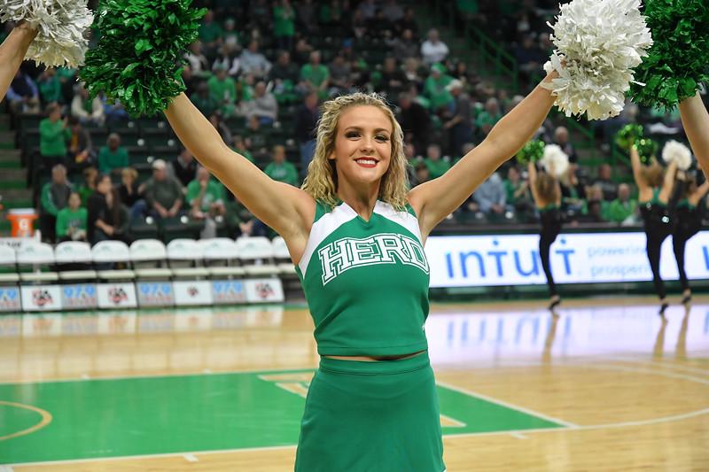 cheerleaders4406.jpg