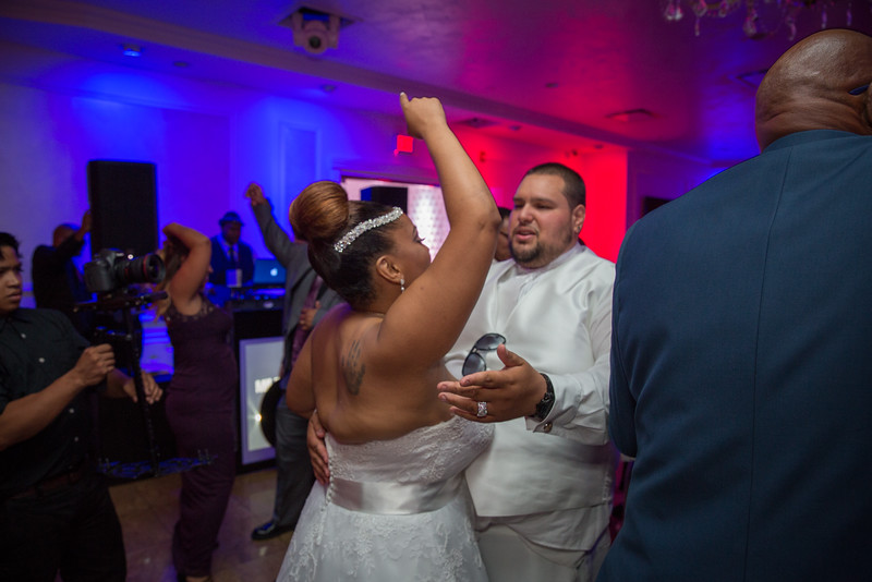 MEG_5696_tonya_josh_new jerrsey wedding photography.jpg