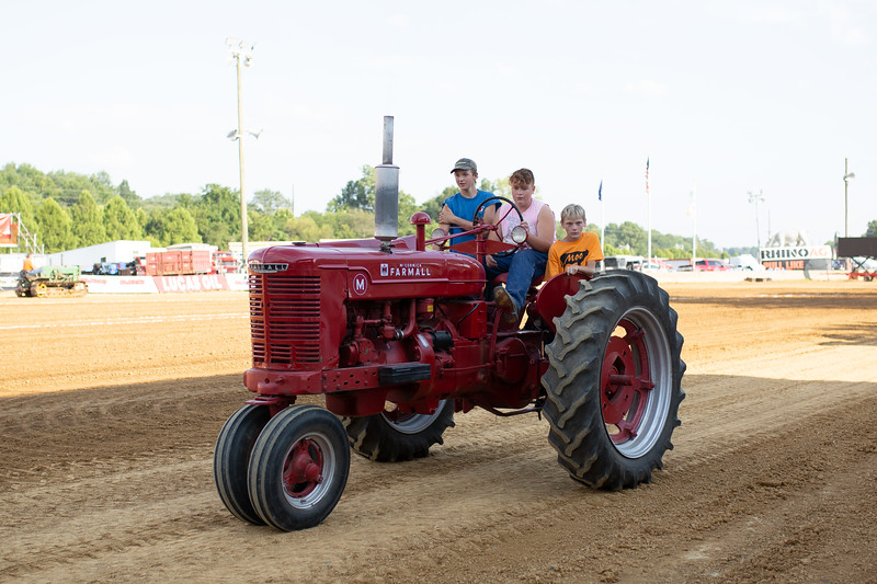 Antique Tractor Parade-69.jpg