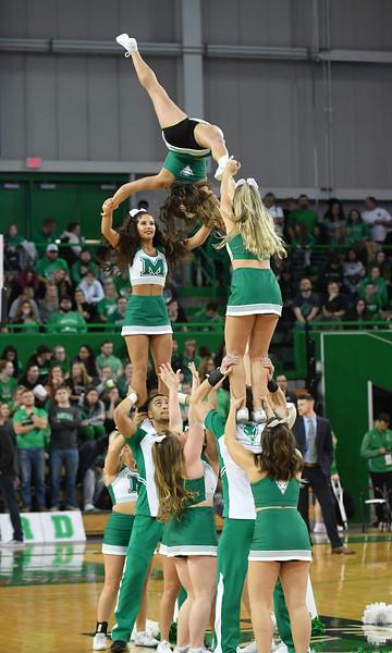 cheerleaders0606.jpg