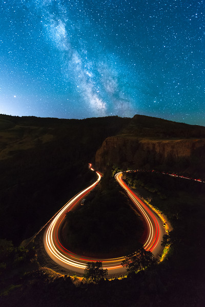 5 - The iconic U-bend viewed from atop of Rowena Crest as the Milky Way passed above.  If you look closely you can find another stargazer below.