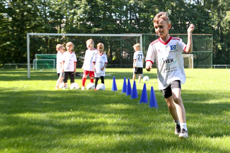 hsv_fussballschule-153_48047991398_o.jpg