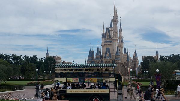 Tokyo Disney Resort, Tokyo Disneyland, World Bazaar, Omnibus, Hub, Cinderella Castle, Cinderella, Castle