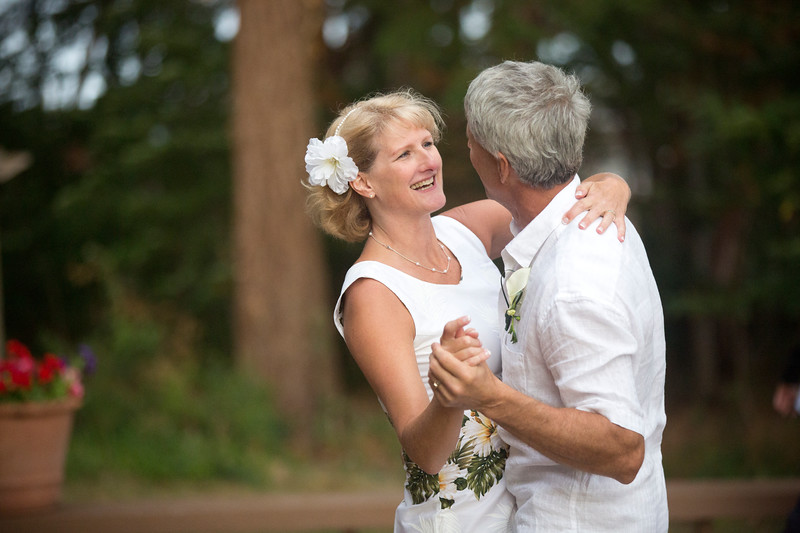 Laurie + Russell_ CMPhoto03.jpg