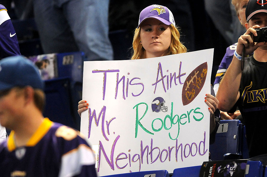 . A less than welcoming sign from a Vikings fan. (Pioneer Press: Sherri LaRose-Chiglo)