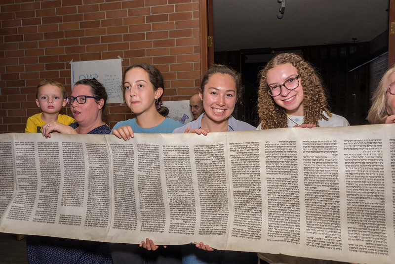 Simchat Torah-297.jpg