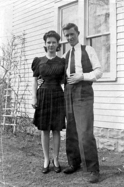 Doris and Cecil 1942.jpg