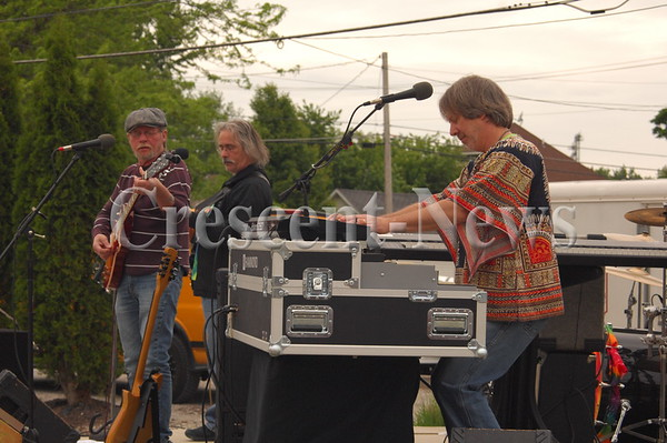 05-20-16 NEWS Strawberry Hill at Paulding