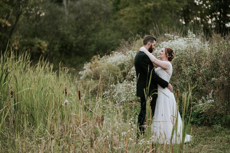 rustic_ohio__fall_barn_wedding-290.jpg