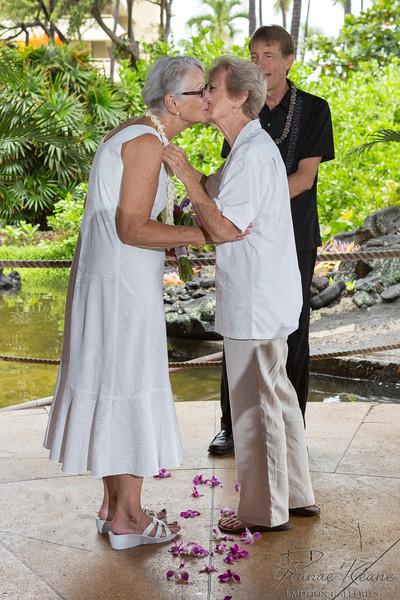 029__Hawaii_Destination_Wedding_Photographer_Ranae_Keane_www.EmotionGalleries.com__141018.jpg