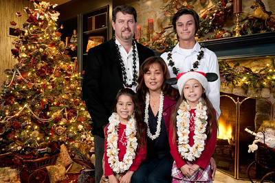 Praise Venue Christmas Family Portratis 12.12.10