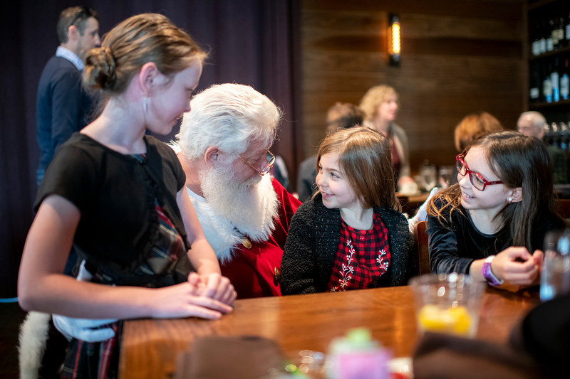 Avalon_BreakfastWithSanta_2019_9907.jpg