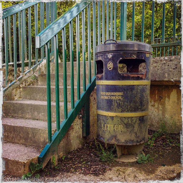 Even the Cotswold litter cans are scenic (May, 2014).