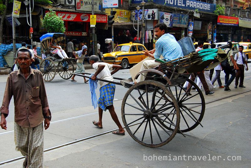 human rickshaw Calcutta India.jpg