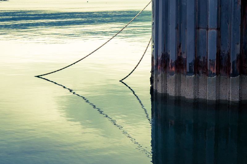 I liked the shape of the ropes and their reflection