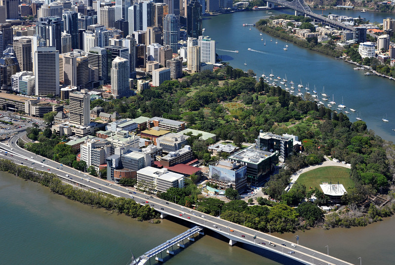 View of QUT Gardens Point campus and riverstage.