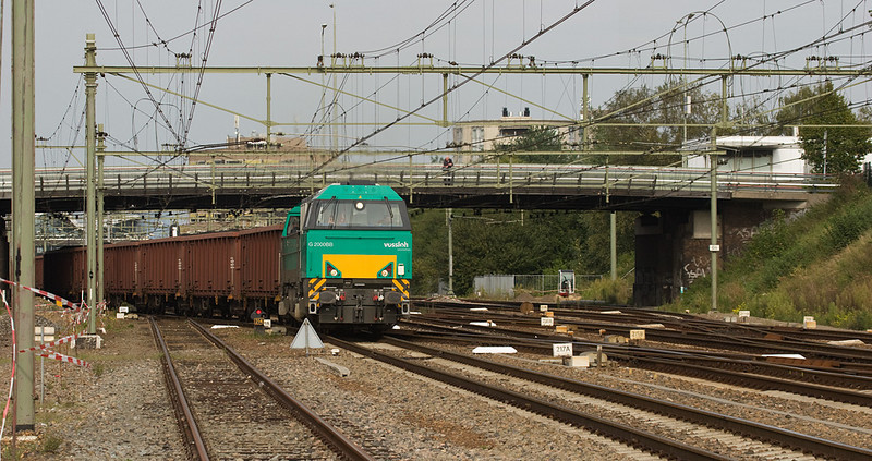 Coal train DGS 48647 (Born/NL-Anglefort/F) powered by one of SNCF Fret's Vossloh G2000s passes through Sittard.