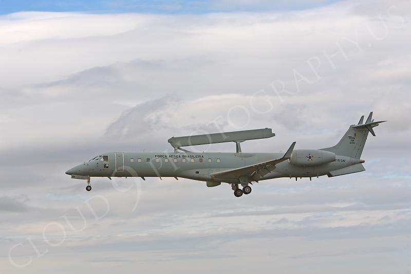 Embrarer EMB-145SA 00010 Embrarer EMB-145SA Brazilian Air Force by Peter J Mancus.JPG