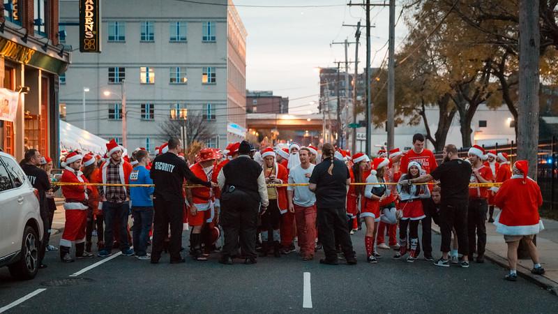 Running with Santa Philadelphia 12-12-2015-3293.jpg