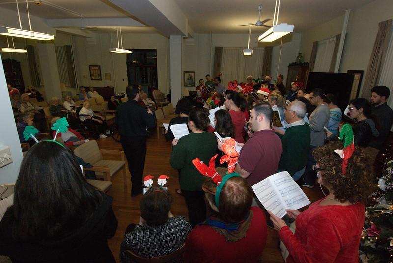 2018-12-19-Christmas-Caroling_021.jpg