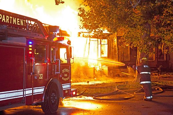 Detroit, MI - Box Alarm - Thaddeus St. & Dearborn St. - August 18, 2012