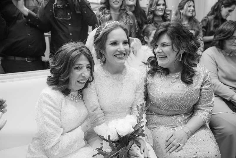 Miri_Chayim_Wedding_BW-470.jpg