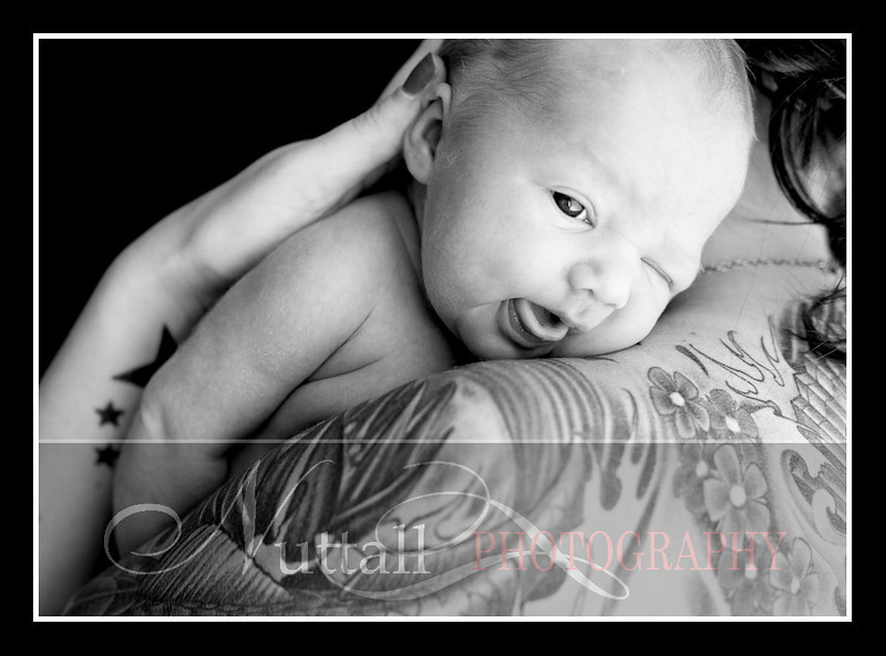 London Newborn-8bw.jpg