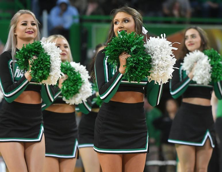 cheerleaders3847.jpg