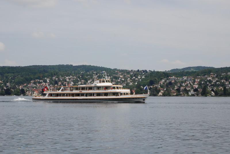 Lake Zurich_2497778916_o.jpg