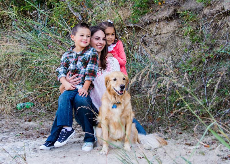 DSR_20121028Adorable Family w Aggie251.jpg