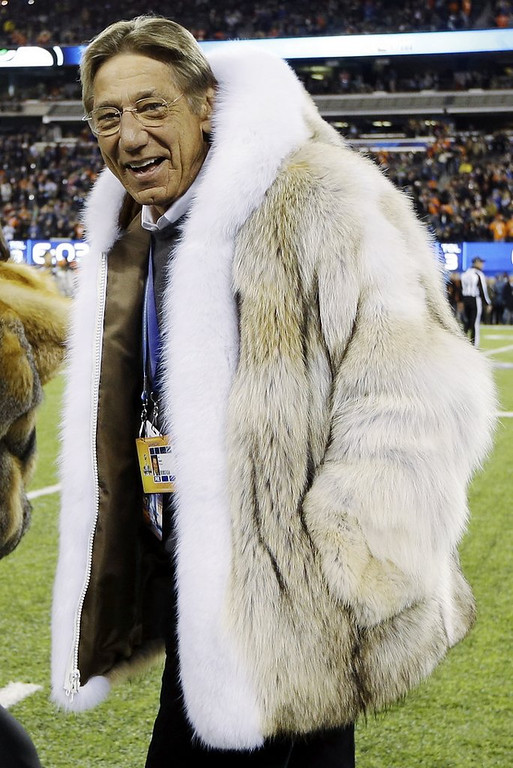 ". <p>3. (tie) JOE NAMATH�S COAT <p>It�s amazing what you can do with a few hundred ferret pelts. (unranked) <p><b><a href=\'http://msn.foxsports.com/buzzer/story/joe-namath-wears-amazing-coat-makes-mistake-with-coin-toss-super-bowl-xlviii-020214\' target=""_blank\""> HUH?</a></b> <p>    (AP Photo/Mark Humphrey)"