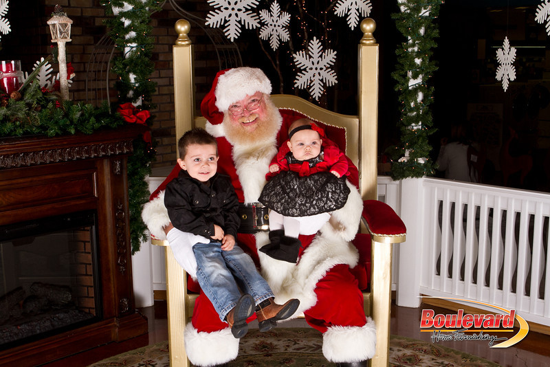 Santa Dec 15-165.jpg