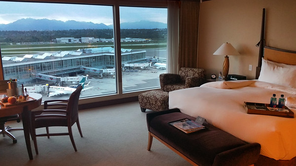 Fairmont  Vancouver Airport,  Accommodations & Runway Views