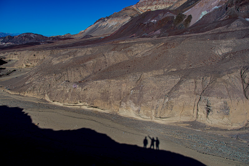 Death-valley-selfie-shadows2.jpg